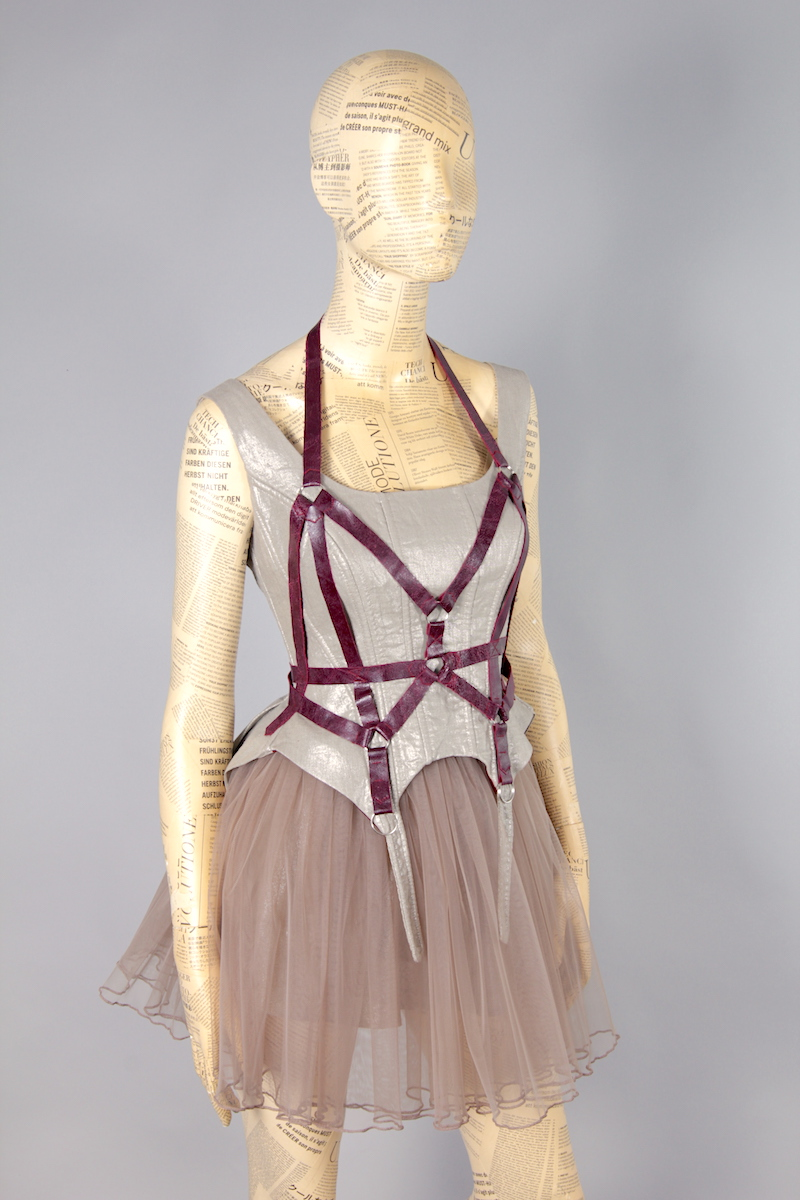 CORSET WITH HARNESS AND SKIRT TYUL